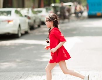 魔发妹-小红裙7